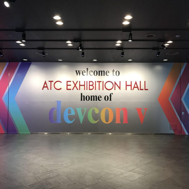 Looking for any help to install a sign/back panel for event?